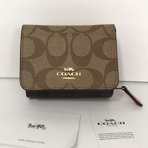 COACH TRIFOLD WALLET IN BLOCKED SIGNATURE CANVAS